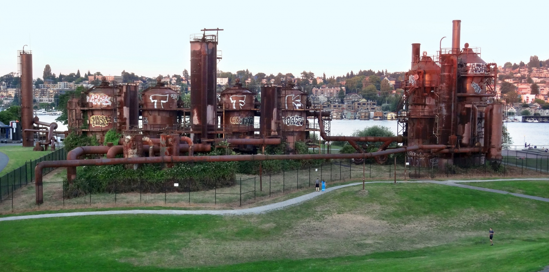 Seattle_Gas_Works_Park_old_gas_plant2013